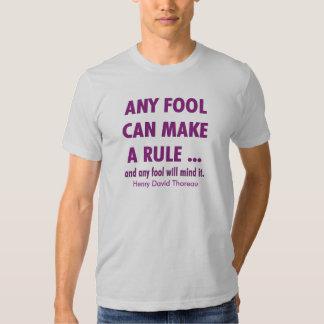 Tontos y reglas polera