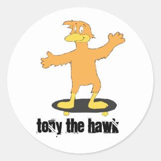 Tony el halcón pegatina redonda
