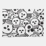 toon skulls hand towels
