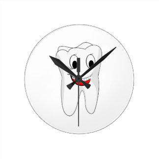 Tooth Round Clock