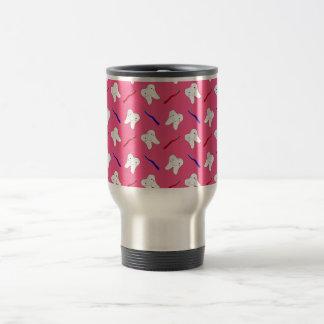 Toothburshes y modelo rosados lindos de los taza de viaje