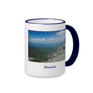 Top de la montaña de Whiteface, Adirondacks, NY Taza A Dos Colores