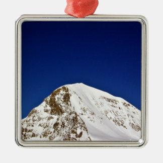 Top de la montaña Nevado debajo del cielo Adorno De Reyes