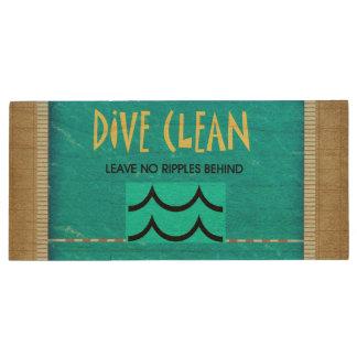 TOP Dive Clean No Ripples Wood USB 2.0 Flash Drive
