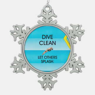 TOP Dive Clean Snowflake Pewter Christmas Ornament