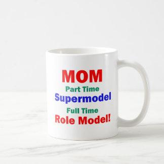 Top model por horas de la mamá taza de café