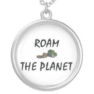 TOP Roam the Planet Round Pendant Necklace