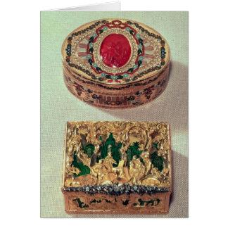 Top: Tabaquera del oro embutida con las diversas p Tarjetón
