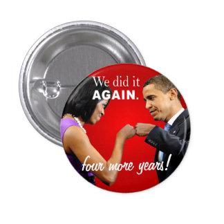 Topetón del puño de la victoria de Barack y de Mic Pin Redondo 2,5 Cm