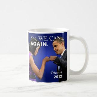 Topetón del puño de Obama - podemos asaltar sí Taza Básica Blanca