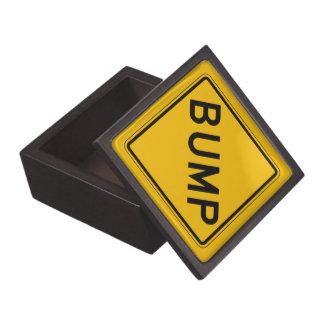 Topetón, señal de peligro del tráfico, los caja de recuerdo de calidad
