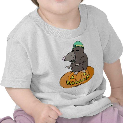 Topo del dibujo animado en una Jack-o-Linterna Camiseta