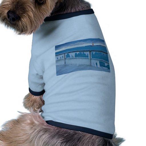 Topo en Warnemuende (Alemania) en invierno Camiseta Con Mangas Para Perro