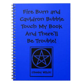 Toque mi libro y habrá libreta de Wiccan del