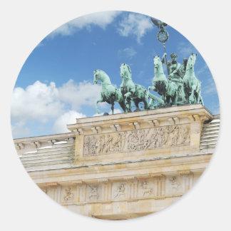 Tor de Brandeburgo en Berlín, Alemania Pegatina Redonda