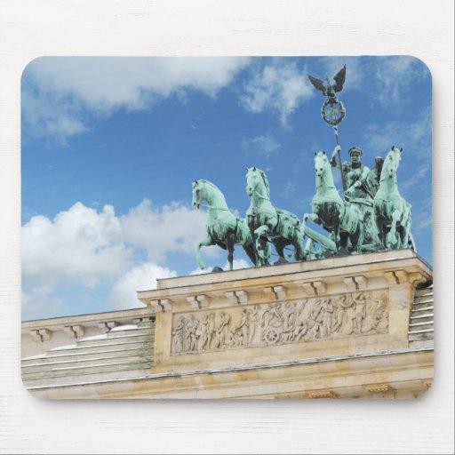 Tor de Brandeburgo en Berlín, Alemania Alfombrillas De Raton