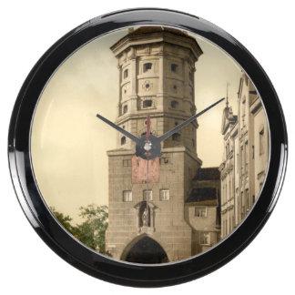 Tor de Wertachbrucker, Augsburg, Baviera, Alemania Reloj Aqua Clock