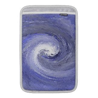 Torbellino abstracto del giro del agua - azul fundas para macbook air