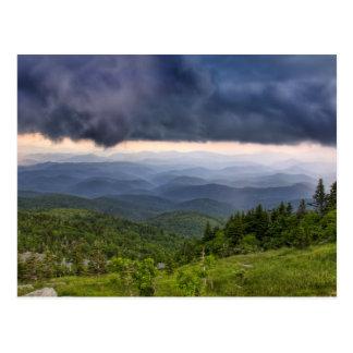 Tormenta de abuelo de la montaña tarjetas postales