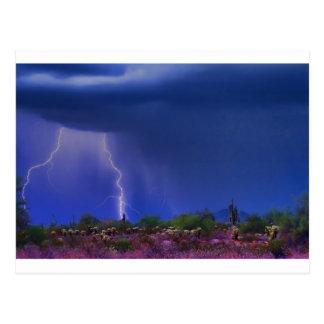 Tormenta de desierto púrpura postal
