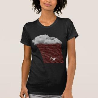 Tormenta de la lluvia del corazón y hombre feliz camiseta