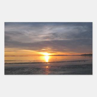 Tormenta de la puesta del sol pegatina rectangular