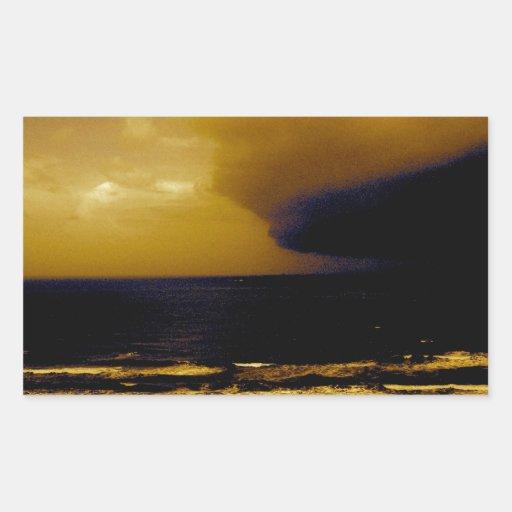 Tormenta del huracán que se acerca a la onda rectangular pegatinas