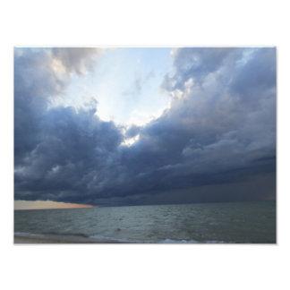 Tormenta del verano que viene apagado el lago Mich Fotografías