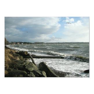 """Tormenta del viento de la bahía del abedul invitación 5"""" x 7"""""""