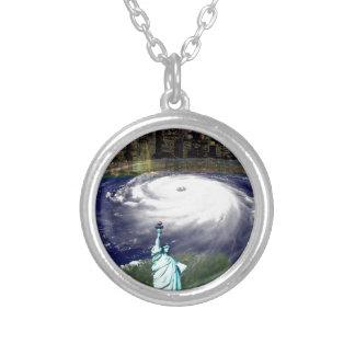Tormenta estupenda Sandy 2012, ojo del storm_ Colgante Redondo