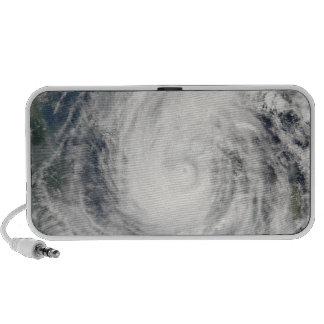 Tormenta tropical Chanchu iPhone Altavoces