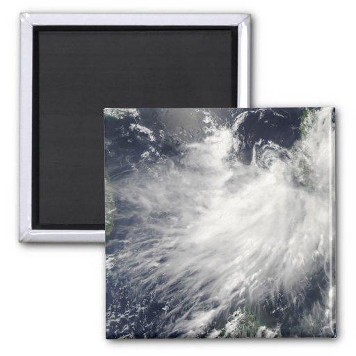 Tormenta tropical Conson Imán Cuadrado