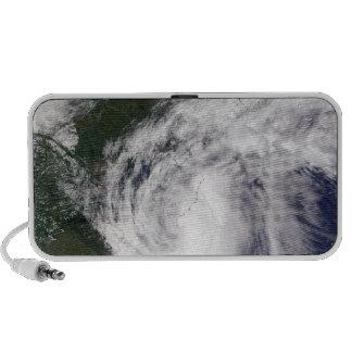 Tormenta tropical Mekkhala Laptop Altavoces