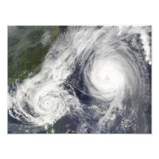 Tormenta tropical Parma y tifón estupendo Melor Fotografias