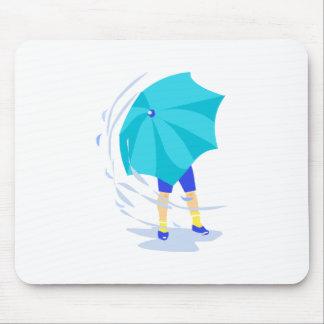 Tormenta ventosa de la lluvia alfombrillas de raton