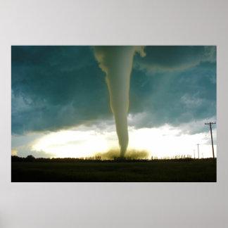 Tornado de la categoría F5 que se acerca a Elie Ma Poster