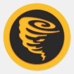 Tornado del oro pegatina redonda