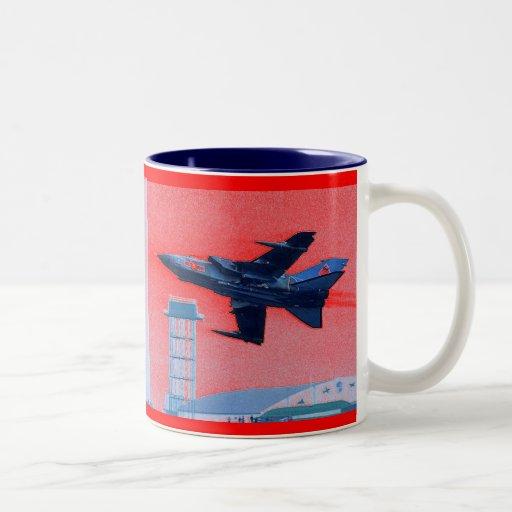Tornado Royal Air Force de Panavia Tazas
