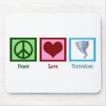 Tornados del amor de la paz alfombrillas de ratón