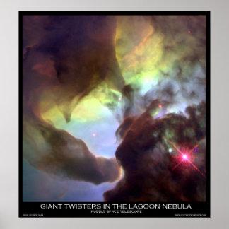 Tornados gigantes en la nebulosa de la laguna póster