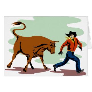 toro que persigue al vaquero del rodeo tarjeta de felicitación