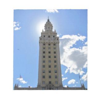 Torre cubana de la libertad en Miami 4 Bloc De Notas
