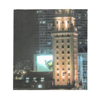 Torre cubana de la libertad en Miami 7 Bloc De Notas
