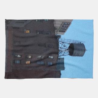 Torre de agua de NYC Toalla De Mano