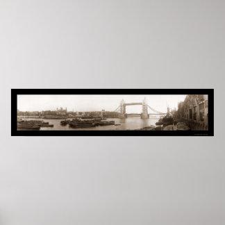 Torre de la foto 1909 del puente de Londres Poster