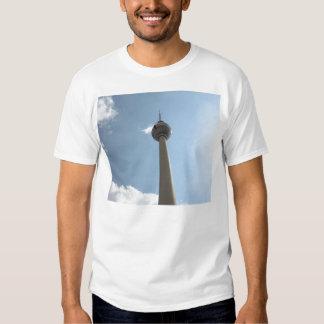 Torre de la televisión en Berlín, Alemania Poleras