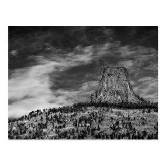 Torre de los diablos en Wyoming blanco y negro Postal