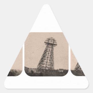Torre de Nikola Tesla Pegatina Triangular