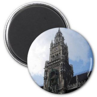 Torre de reloj de Munich Marienplatz Imán Redondo 5 Cm