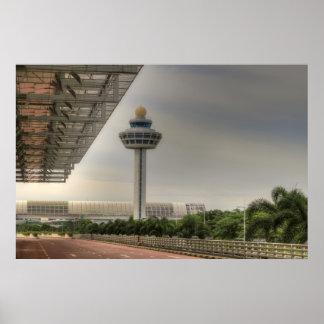 Torre del controlador aéreo del aeropuerto de Sing Poster